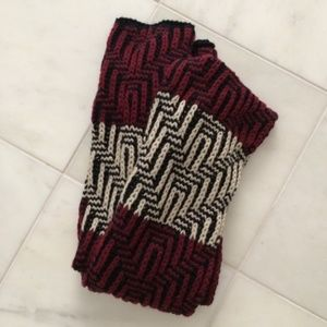 zara | NWOT long maroon chunky knit scarf